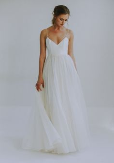 Laurel by Leanne Marshall coming to Everthine Fall 2019 romantic flowy gown classic bride skirt is made of recycled material sustainable wedding gown Dream Wedding Dresses, Bridal Dresses, Wedding Gowns, Wedding Dress Simple, Bridesmaid Dresses, Different Wedding Dress Styles, Wedding Dress Material, Civil Wedding Dresses, V Neck Wedding Dress