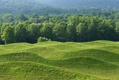 Artist and architect Maya Lin will be awarded the 21st annual Gish Prize. Storm King Wavefield, Maya LinStorm King Wavefield, 2009, at Storm King Art Center in Mountainville, New York.  Photo: Jerry Thompson
