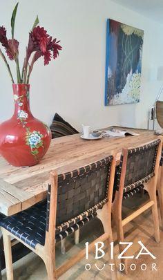 Leuke foto ontvangen van een klant uit Haarlem met onze eetkamerstoelen met zwart leer. Bij interesse graag even mailen naar ibizaoutdoor@gmail.com gr Mees