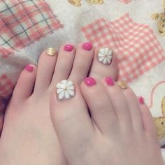 春/フット/フラワー/ピンク/ジェルネイル - ym6312のネイルデザイン[No.917264]|ネイルブック Love Nails, Pretty Nails, Beach Holiday Nails, Painted Toe Nails, The Art Of Nails, Japanese Nail Art, Feet Nails, Toe Nail Designs, Cute Nail Art
