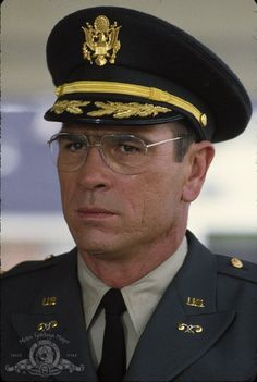 Picture: Tommy Lee Jones in 'Blue Sky.' Pic is in a photo gallery for Tommy Lee Jones featuring 31 pictures. Tommy Lee Jones Wife, Tommy Lee Jones Young, Photography Movies, Most Handsome Actors, Best Supporting Actor, Men In Uniform, Hollywood Actor, Best Actor, Man Crush