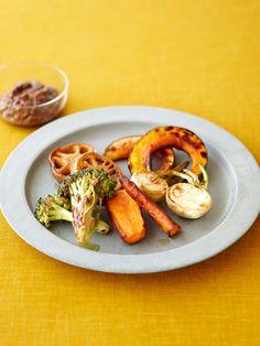 干し野菜ミックスのグリル みそマスタードソース添え