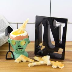Zombie Eggpocalypse Egg Cup Spoon Toast Cutter Breakfast Gift Set in Home, Furniture & DIY, Cookware, Dining & Bar, Tableware, Serving & Linen | eBay