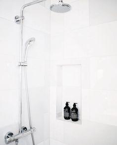"""Good morning via @daens_utrecht #bathroom #decor #grownalchemist"""