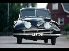 Saab 92 was an automobile from Saab. The design was very aerodynamic for its time, and the cW value (drag coefficient) was (the same as a Porsche 996 and better than the Ferrari Darth Vader, Vintage Cars, Antique Cars, Saab Automobile, Porsche, Gilles Villeneuve, Love Car, Dieselpunk, Rolodex