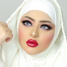 Beautiful Blonde Girl, Beautiful Lips, Red Makeup Looks, Middle Eastern Makeup, Indian Wedding Makeup, Arabian Beauty, Beautiful Muslim Women, Stunning Makeup, Beauty Full Girl