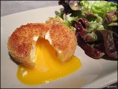 Oeufs mollets frits de Cyril Lignac Like many of you, I couldn't resist making the fried soft-boiled eggs from Cyril Egg Recipes, Cooking Recipes, Healthy Recipes, Simple Recipes, Chefs, Meals Kids Love, Recipes With Few Ingredients, Kid Desserts, Dinner Entrees