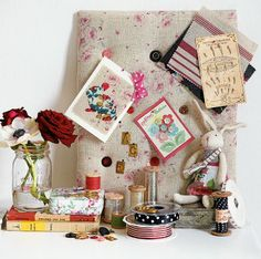 Pin-Board-with-Peony-and-Sage-Roses-fabricx.jpg (417×415)