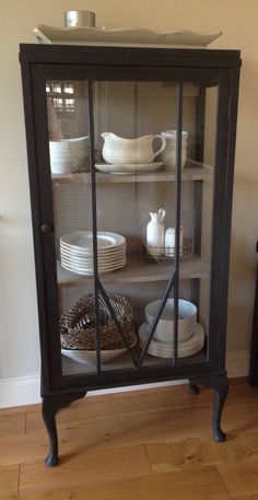 Love hearing from those who have been on a workshop and send me photos of their subsequent work. This lady sent a photo of a cabinet she transformed with Graphite and French Linen Chalk Paint™ Sophisticated combo