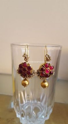 Gold antique ruby earrings design. For more earrings collections, check the complete collection on our website.