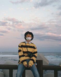 Hanbin is so bf material TT Kim Hanbin Ikon, Ikon Kpop, Chanwoo Ikon, Yg Entertainment, K Pop, Bobby, Ikon Wallpaper, Pose, Hip Hop