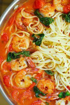 Garlic Shrimp Pasta in Red Wine Tomato Sauce