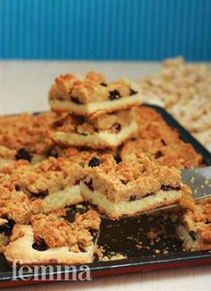 Femina.co.id: Berry Nutty Crumb Bars #resep