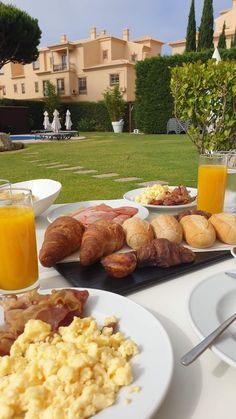 Aqua Pedra dos Bicos Design Beach Hotel - Albufeira - Algarve - Portugal © Viaje Comigo Breakfast Lunch Dinner, Morning Breakfast, Morning Food, Algarve, Hotel Food, Mood Instagram, Food Snapchat, Aesthetic Food, Food Cravings