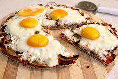Breakfast Pizza recipe with eggs, ham and mozzarella