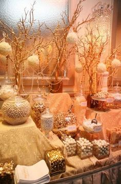 White / Gold Candy Display Golden Gala Candy Buffet http Buffet Dessert, Candy Buffet Tables, Dessert Tables, Dessert Bars, Food Buffet, Gold Candy Buffet, Elegant Candy Buffet, Party Tables, Cake Table