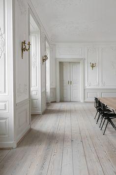 3 Days of Design : Part 1 – Only Deco Love - Haus Einrichten House Design, Wall Molding, Interior, Interior Architecture, Deco, House Interior, French Walls, French Apartment, Parisian Apartment