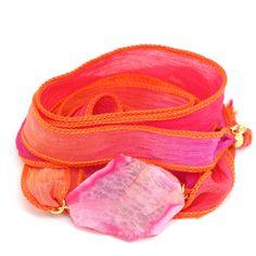 Pink Passion Zijde Wikkel Wrap Armband Edelsteen Roze Agaat Goud ♡ available at www.ibizamusthaves.nl Silk Wrap Bracelets, Emotional Healing, Beautiful Hands, Jewels, Gemstones, Pink, Handmade, Wristlets, Month Gemstones