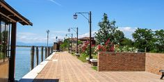 #Promenade von #Torcello bei #Venedig © Petra Gschwendtner Cello, Petra, Sidewalk, Venice Italy, Explore, Island, Side Walkway, Cellos, Walkway