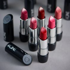 [New] The 10 Best Eye Makeup Ideas Today (with Pictures) - Let them stare at your luscious The One Colour Stylist Ultimate Lipstick ! Pick one of the stunning shades of lipstick to enjoy full coverage contour . Gloss Lipstick, Lipstick Shades, Lipstick Colors, Lip Colors, Lipsticks, Up Imagenes, The One, Oriflame Beauty Products, Beauty Makeup