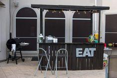 Affordable Backyard Party Pallet Bar