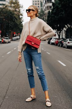 How to Get the Luxury Look While Wearing a Comfy Casual Outfit Casual Outfits, Winter Outfits, Fashion Outfits, Fashion Trends, Women's Fashion, Fashion Blouses, Fashion Belts, Fashion Jewelry, Fashion Jackson