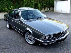BMW 635 CSI dark silver custom... J'adore!!!