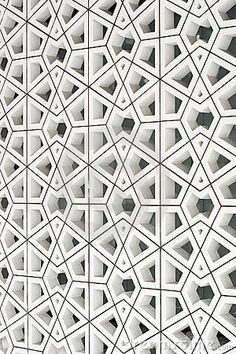 modern interpretation of an ancient Islamic | http://floordesignsideas.blogspot.com