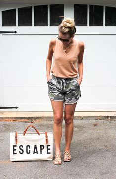 How To Pack for a Weekend Trip to the Lake // Camo Shorts, Madewell Tank, Studded Sandals Summer Weekend Outfit, Girls Weekend, Mom Outfits, Lake Outfits, Summer Outfits, Summer Vacation Packing, Girls Getaway, Loungewear Set, Summer Trends