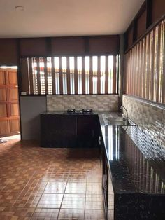 51 New Ideas For Kitchen Door Design Kitchen Door Designs, Simple Kitchen Design, Kitchen Doors, Outdoor Kitchen Design, Home Decor Kitchen, Interior Design Kitchen, Kitchen Ideas Philippines, Small Modern Kitchens, Simple House