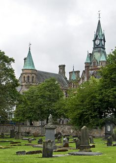 Dunfermline Abbey, where Scottish kings were crowned. Dunfermline Abbey is a large Benedictine abbey in Dunfermline, Fife, Scotland. The abbey was founded in 1128 by King David I of Scotland Scotland Castles, Scottish Castles, Fife Scotland, Places To Travel, Places To See, Old Churches, Thinking Day, England And Scotland, Place Of Worship