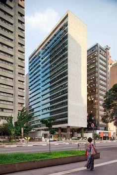 Edifício Palácio Quinta Avenida  - Pedro Paulo de Mello Saraiva e Miguel Juliano, 1959