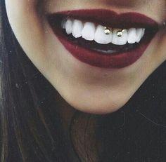 insecure girl : Fotografia #piercing #redlips #smiley