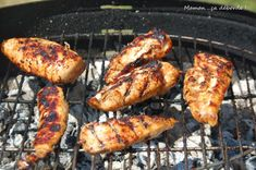 Marinade pour poulet au barbecue - Maman a d borde Barbecue Chicken, Barbecue Grill, Tandoori Chicken, Chicken Wing Recipes, Meat Recipes, Smoker Recipes, Grilling Sides, Zucchini, Marinade Sauce