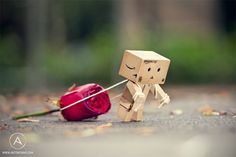 i want to pick it up and carry it for him!!!
