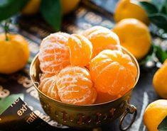 Το μανταρίνι προέρχεται από την Ασία και είναι το πιο γλυκό φρούτο από όλα της ομάδας των εσπεριδοειδών... Holistic Nutrition, Nutrition Education, Health And Nutrition, Good Healthy Recipes, Healthy Life, Healthy Living, Healthy Food, Ficus Pumila, Legume Bio