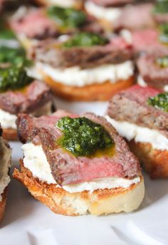 These heavenly beef tenderloin crostini with tangy goat cheese and pesto are a simple, yet deceptively impressive choice for entertaining. (Paleo For Beginners Snacks) Finger Food Appetizers, Yummy Appetizers, Appetizer Recipes, Brunch Finger Foods, Summer Finger Foods, Steak Appetizers, Wedding Finger Foods, Party Canapes, Heavy Appetizers
