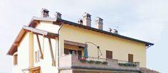 Serramazzoni, a 1,5 km dal centro, appartamento di 150mq al primo ed ultimo piano con giardino privato