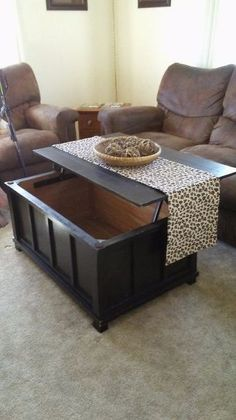 Turn an Old Toy Chest Into a Lift Top Coffee Table - Home Sweet Home - Unique Coffee Table, Glass Top Coffee Table, Lift Top Coffee Table, Diy Coffee Table, Decorating Coffee Tables, Coffee Table With Storage, Coffee Table Design, Modern Coffee Tables, Diy Table