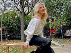 Epirusblog.gr | Ιωάννινα Ήπειρος Ελλάδα Shoulder, Tops, Women, Fashion, Moda, Fashion Styles, Fashion Illustrations, Woman