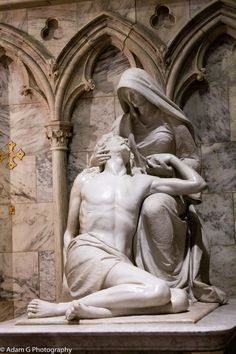 Statue of Jesus & Mary at St Patricks Cathedral in NYC