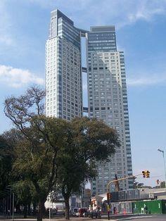Las Torres El Faro, son un complejo de 2 torres interconectadas entre sí, ubicadas en el barrio de Puerto Madero, Buenos Aires, Argentina.