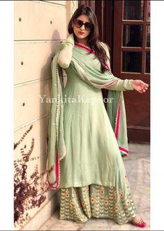 Indian Fashion Dresses, Dress Indian Style, Indian Wear, Indian Outfits, Pakistani Dresses, Mehendi Outfits, Shadi Dresses, Ethnic Outfits, Abaya Fashion