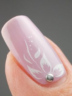 flower & stud nail design