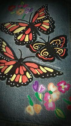 Mariposa monarca tejida a mano en el taller Tejiendo Sueños de  Adriana Guzmán