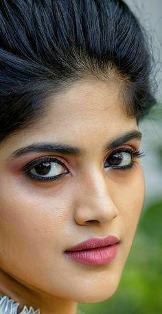 10 Most Beautiful Women, Beautiful Girl In India, Beautiful Blonde Girl, Beautiful Girl Image, South Indian Actress Photo, Indian Actress Images, Cute Beauty, Beauty Full Girl, Beauty Women