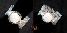 Βραχιόλι από διπλό χάλκινο σύρμα βαμμένο, πλεκτό με βελονάκι, με πέτρες φίλντισι.