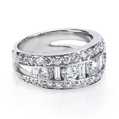 Diamond Right-Hand Ring in 18kt White Gold - side view