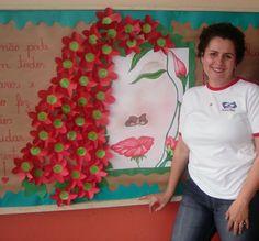mura com flores dia da mulher - Atividades para Educação Infantil School Door Decorations, Art Birthday, Mothers Day Crafts, Craft Materials, Christmas Crafts For Kids, Classroom Decor, Diy And Crafts, Preschool, Clip Art