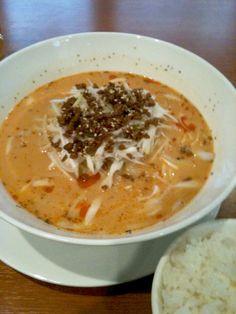 新橋 内幸町にある 味満 の 担々麺。 ぎょうざの店だが、圧倒的に担々麺の方がいい。
